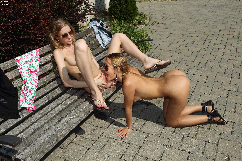 Секс на публике лесбийский