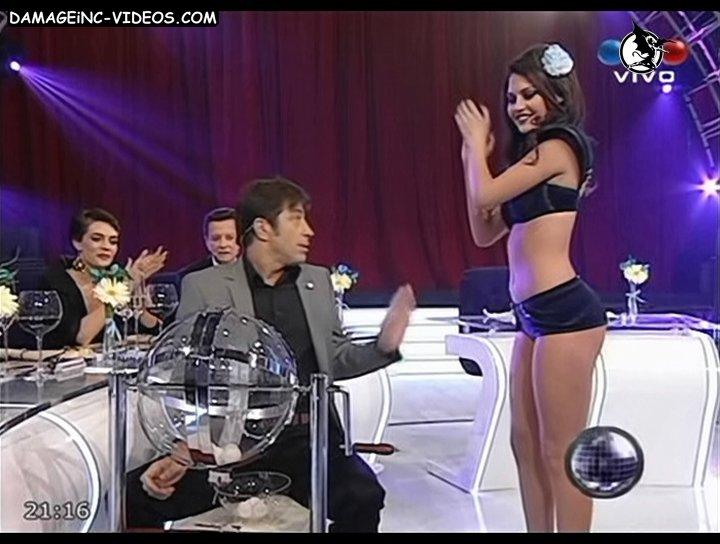 Sofia Jimenez Sabado Bus 2011 03 Bolillera 1