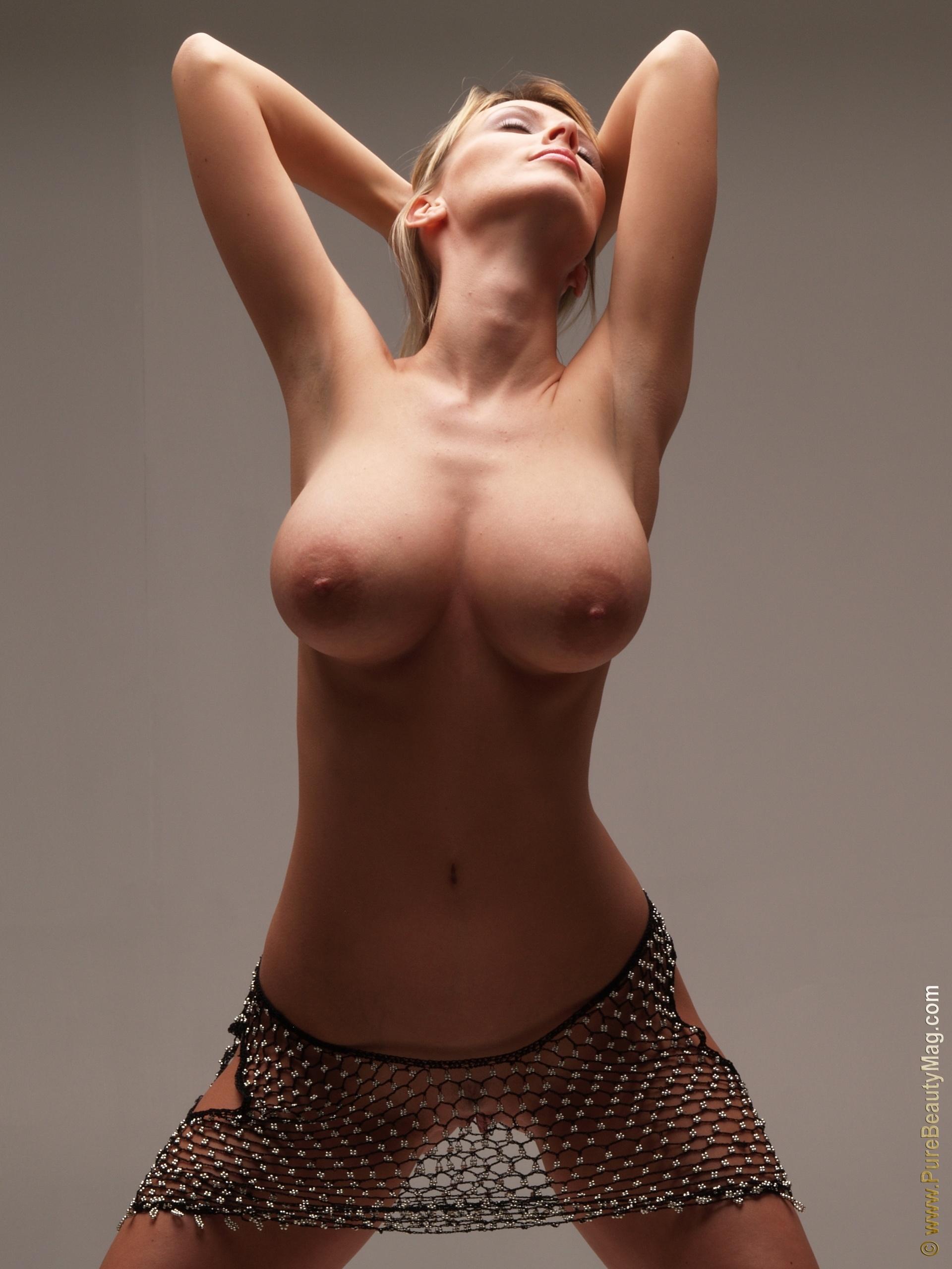 Тайская проститутка с большими сиськами 6 фотография
