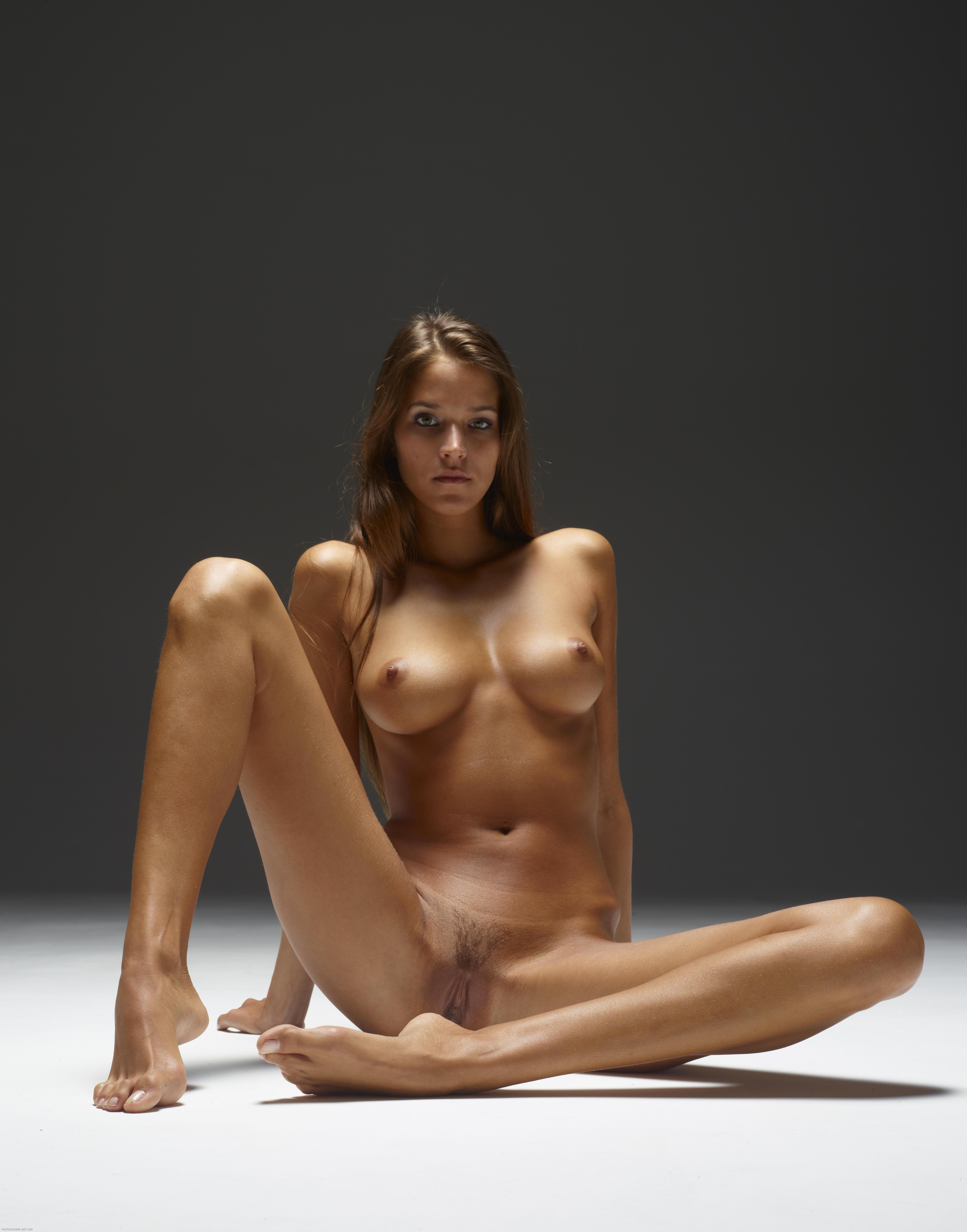 Erotic art class