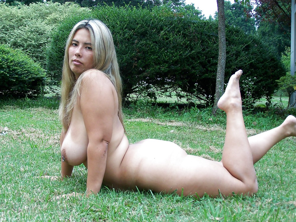 the hottest blonde american naked