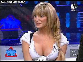 Vicky Xipolitakis cleavage