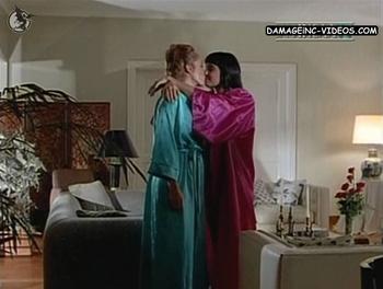 Beso de lesbianas