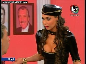 Argentina Celebrity Sabrina Ravelli deep cleavage