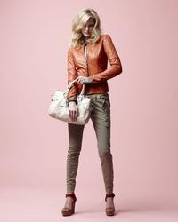 16133726_Danier_Spring_2013_LookBook_10.