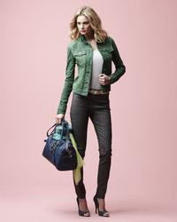 16133744_Danier_Spring_2013_LookBook_20.
