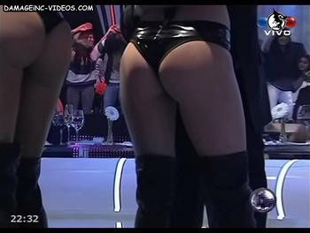 El orto de Sofía Jimenez en shorts de latex