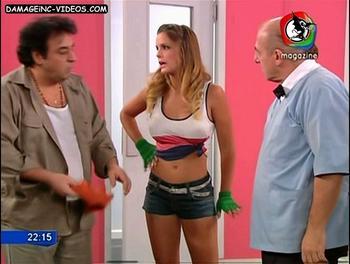 Pia Martinez en shorts