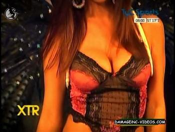 Busty Maribel Fernandez cleavage