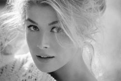 Photos of Past Bond Girls 8982713_Robert_Johansson_Photoshoot_1